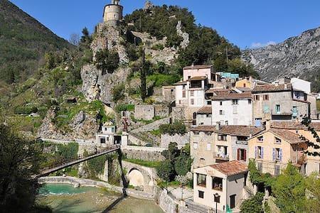 Studio au coeur du vieux village - Roquestéron-Grasse