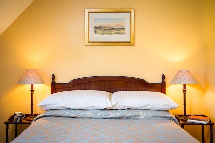 Corsham Field Farmhouse Bedroom