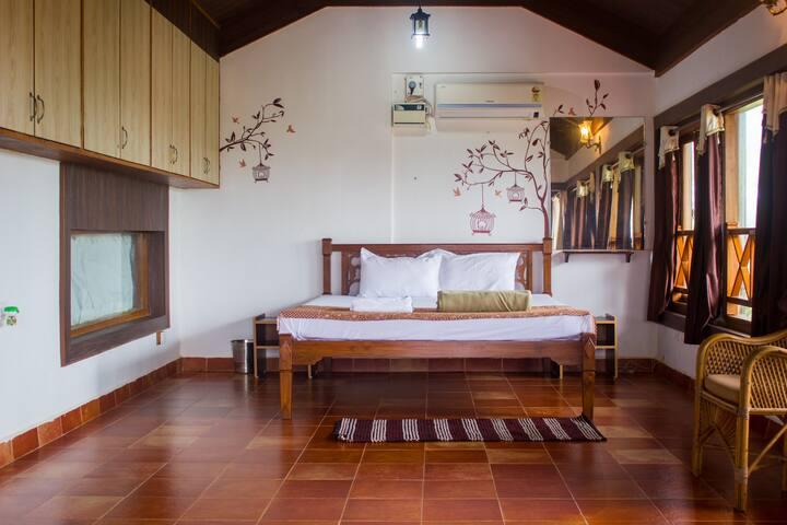 Seaview suite @ Villa Caroline, R115 Dona Paula