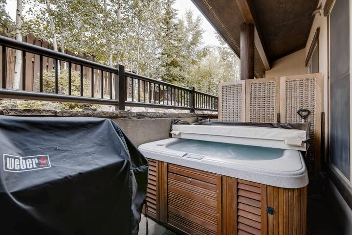 Corral at Breckenridge #102E - Private Hot Tub - Close to Town