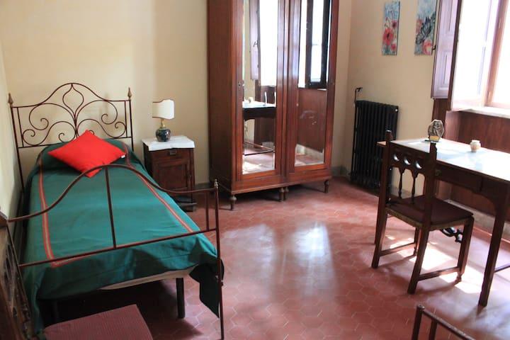 Bedroom groundfloor with 2 single beds