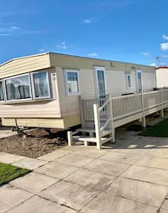 6 berth caravan available for rent