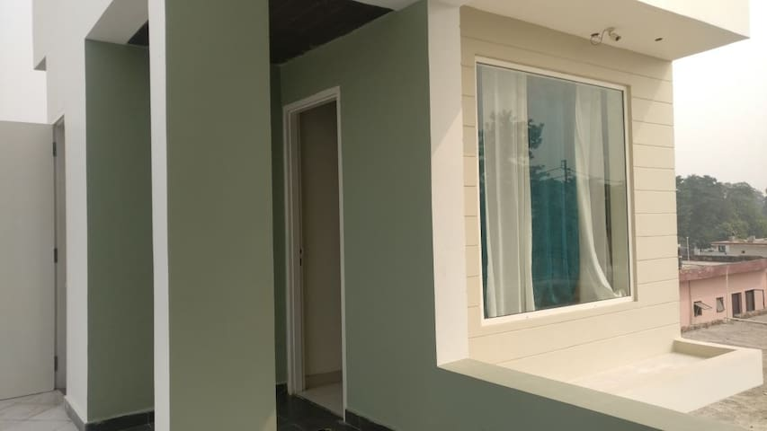 Comfortable Private Room @ Greater Noida