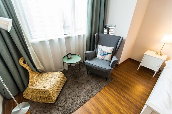 南湖旅游好去处,万达旁假日风情一室一厅精装单身公寓 - Jiaxing - Departamento