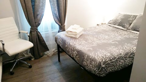 Great Location! Private Room for 2! NE Minneapolis