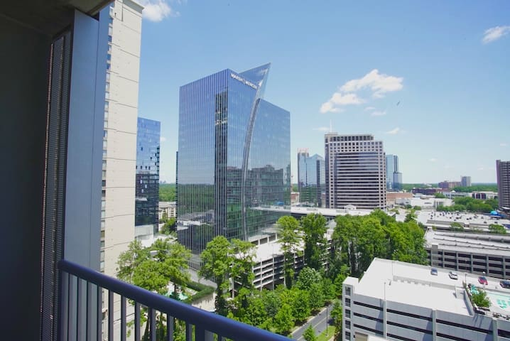ATLANTA BuckHead High-rise Apartment /Balcony - Apartments for ...