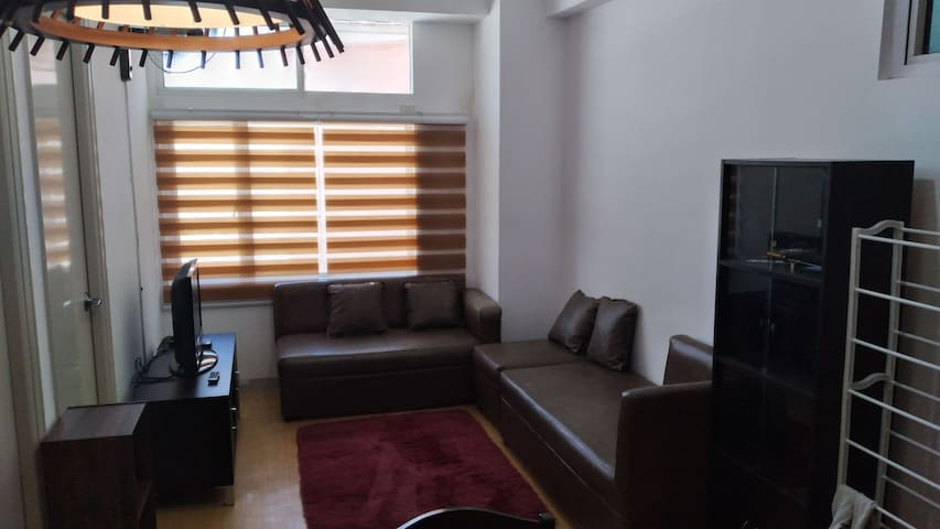 Ideal for small family and friends.  Quiet area.