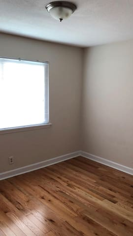 Unfurnished room - near Duke, NCCU, and UNC!