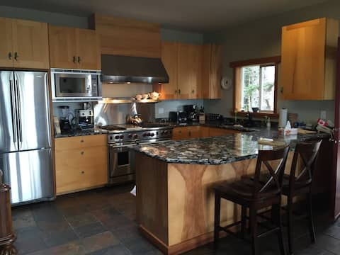 BEAUTIFUL BEACH HOME IN HAIDA GWAII