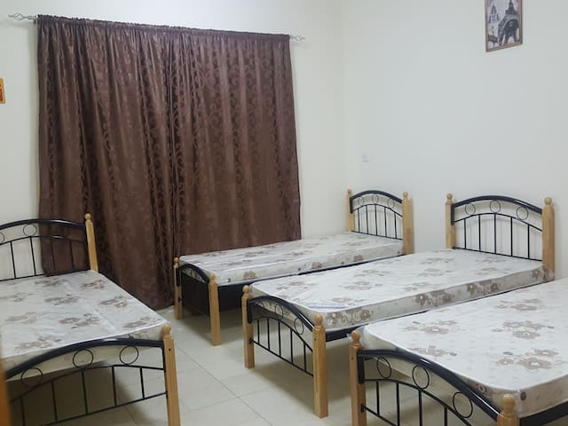 Cozy Master bedroom for 3 people - Dubai - Apartmen