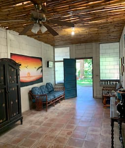 Casa privada en Barra de Santiago