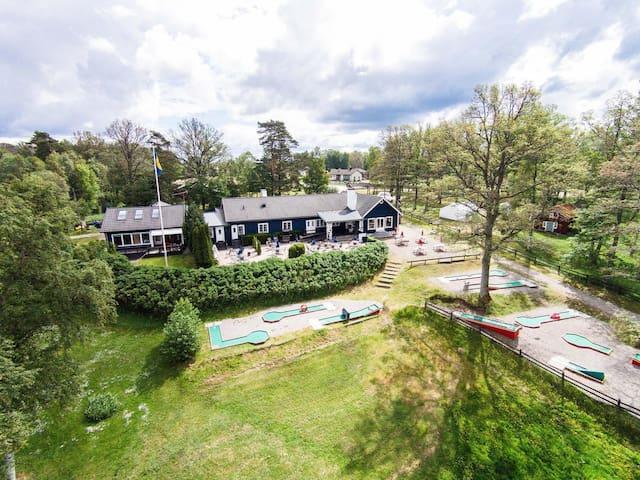 Mysigt lägenhet på ön Bolmsö i Småland