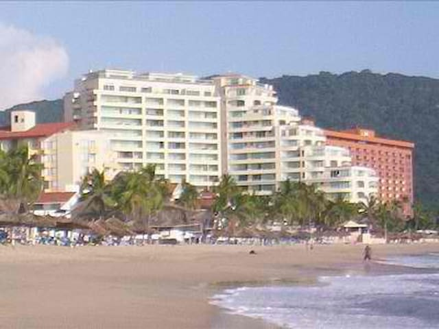Luxury Bay View Grand Beach Condo - Ixtapa - Osakehuoneisto