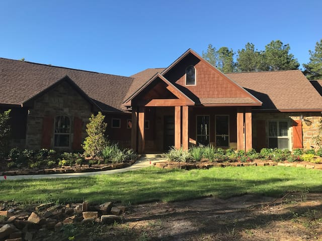 Sam Rayburn Lake Front Home - Built in 2016