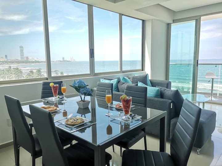 Bello apartamento frente al mar, gran ubicación.