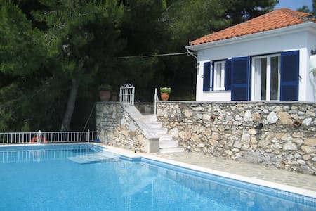Villa Maestrali - Luxurious Seaview Rental - Skiathos - Villa