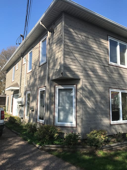 North end garden house townhouses for rent in halifax for Garden rooms halifax