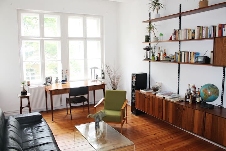 Schöne 2 Zimmer Altbauwohnung im Prenzlauer Berg