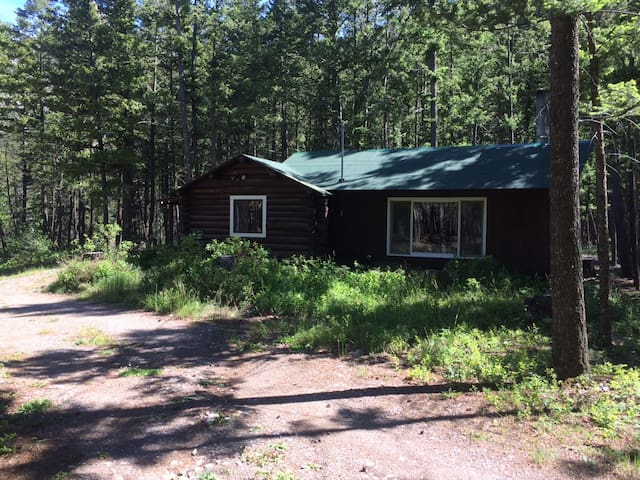 Wind Mountain Cabin, Rocky Mountain Front - Choteau - 통나무집