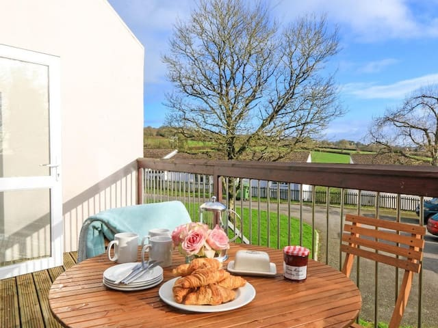 ST ANNS 24, pet friendly, with pool in Callington, Ref 959935