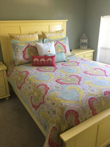 Beautiful Clean Home-Queen Room - Wichita Falls - House