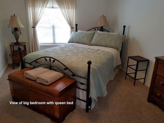 Big bedroom with queen bed
