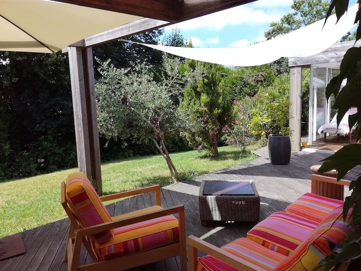 villa jacuzzi dans domaine privé jouxtant Biarritz