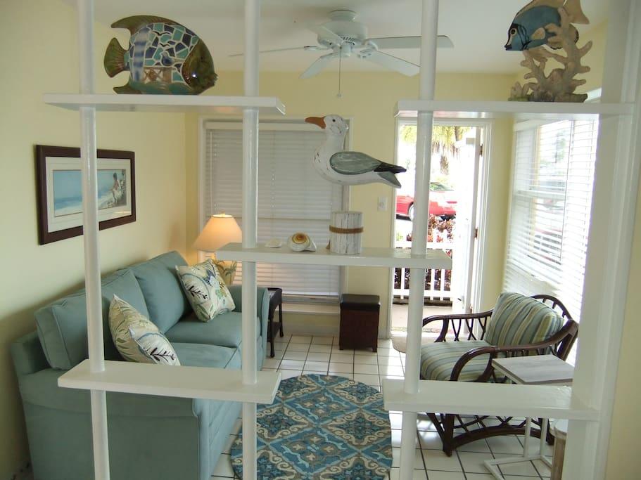 Tropical decor. Comfortable, quality furnishings.