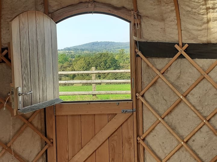 RURAL YURT AMAZING VIEW for 6 pers own loo/shower