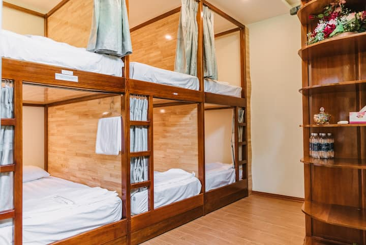 Chi's abode #4 - private room with 6 bunk beds