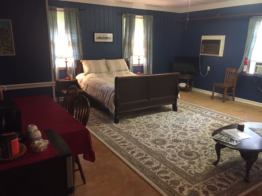 Cute mother in law suite near normaltown guest suites for Inlaw suites for rent near me