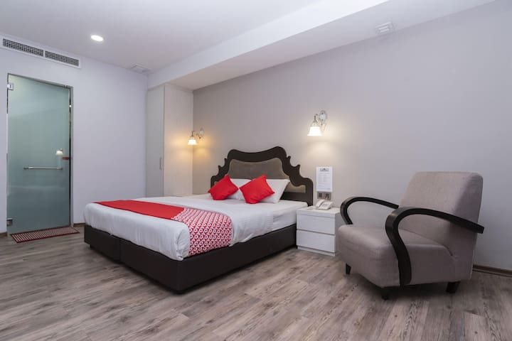 Domus Hotel- 1BR Deluxe King! Wow Deal!