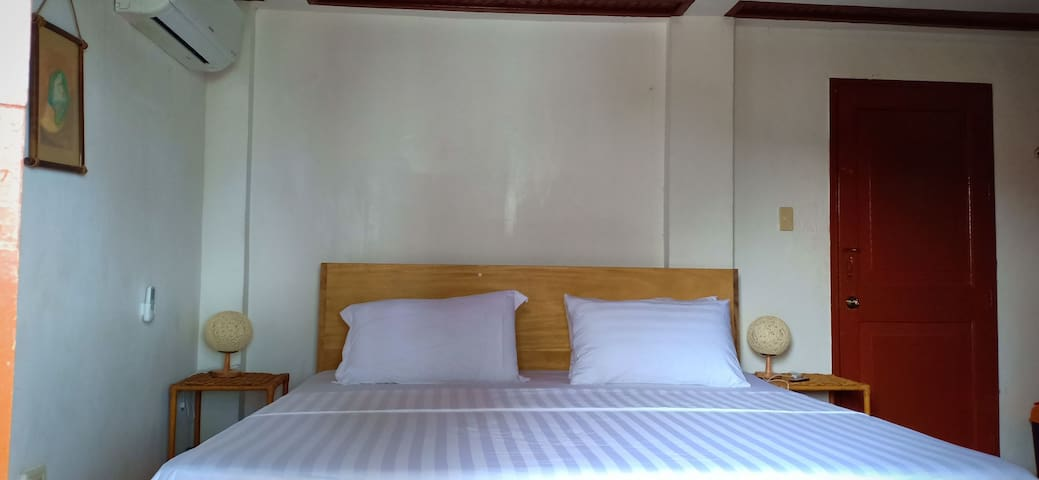 Room 2B is located at beach front