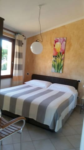 Villetta con terrazza - Domus De Maria - Apartment