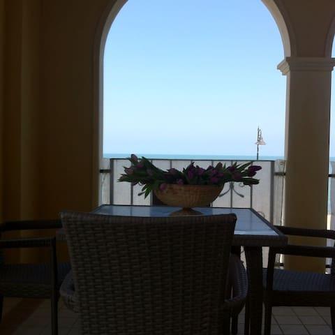 Bellissimo appartamento sul mare - Porto Recanati - Byt