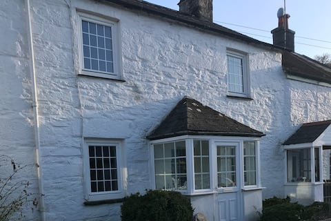 Pendragon cottage  with beautiful river views