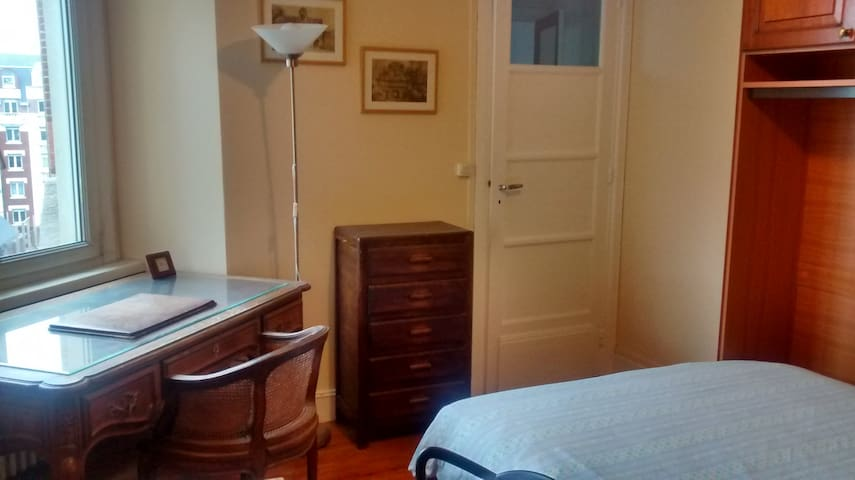 Chambre privée (1 personne)- Centre ville de Lille