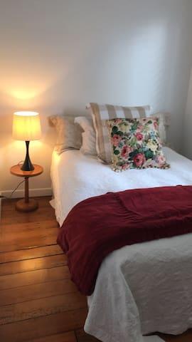 Kingsland double bedroom with spa