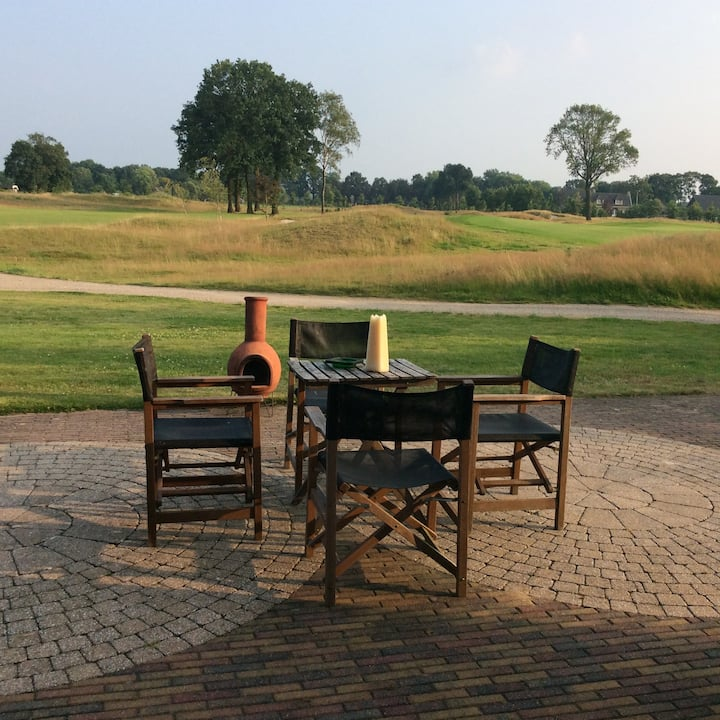 "Kamer ""Backyard"" in Golf & Artbnb Amersfoort"
