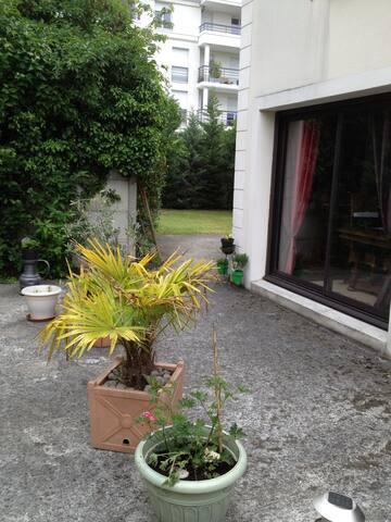 GRANDE MAISON 1/4 d'heure PARIS - Sartrouville - House