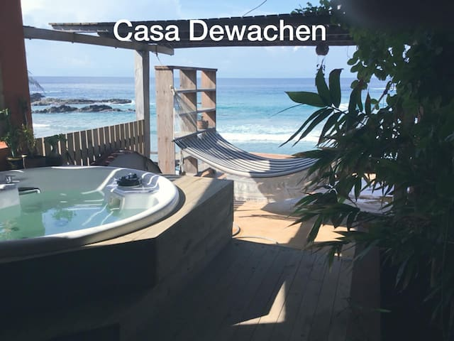 Casa Dewachen, bed and meditation