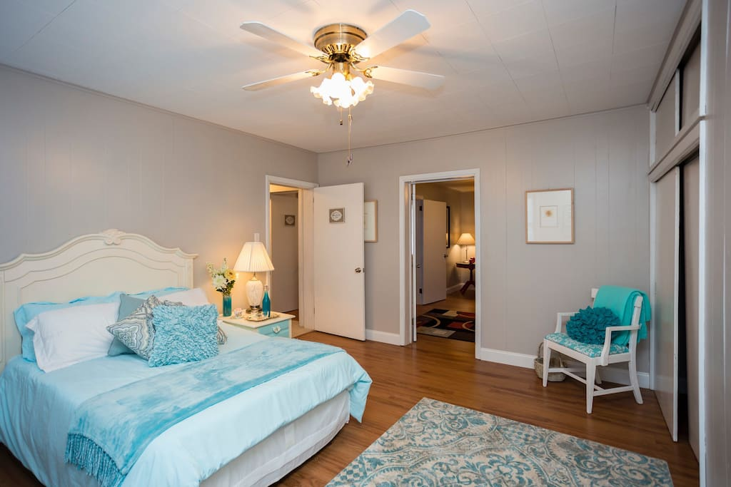 The Highland Park Suite is located on the second floor. Large and bright, it sleeps two.