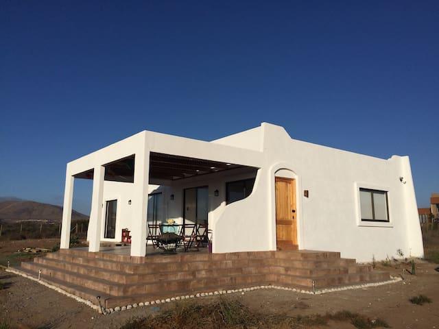 Casa estilo Mediterráneo, 140 mt2. - Tongoy - House