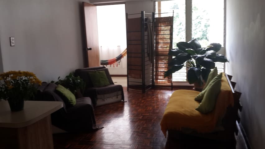 Apartamento acogedor y comodo al Este de Caracas.