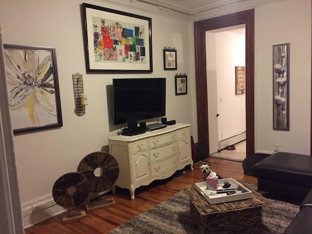 Hoboken- Huge Private Room & Bath w/ Private Yard - Hoboken