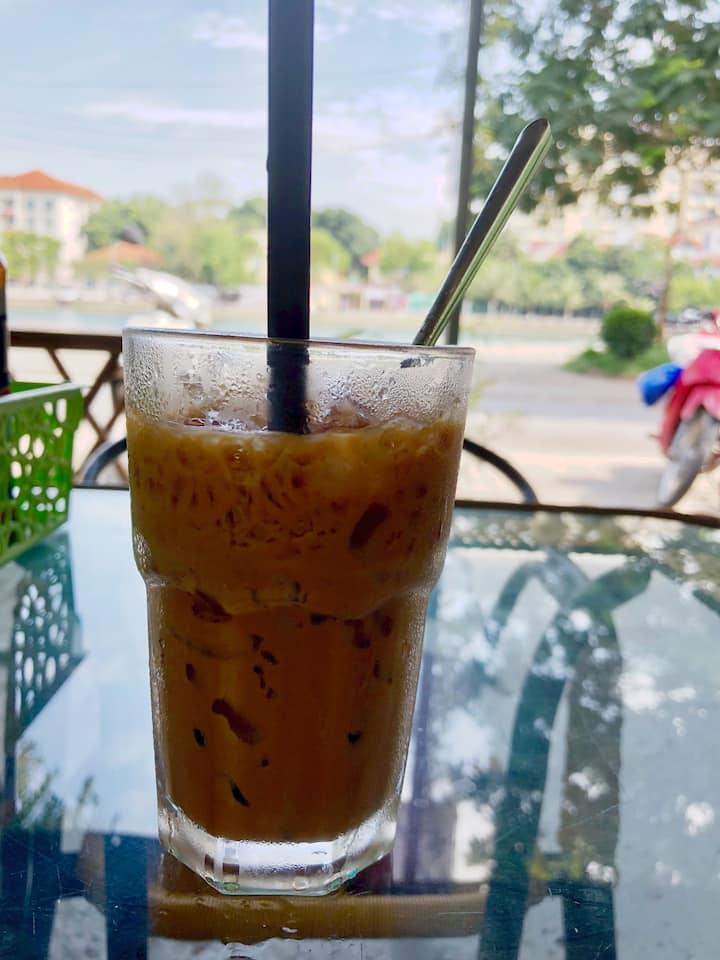 """Ca phe nau da (""""brown iced coffee"""") YUM!"""