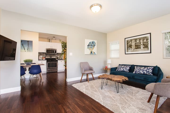 BRIGHT 1BD WITH PRIVATE YARD - 2