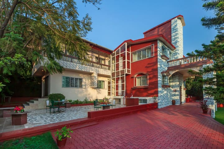 Experience Parsi Home in Panchgani
