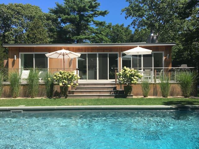 East Hampton/Amagansett Renovated  Modern House
