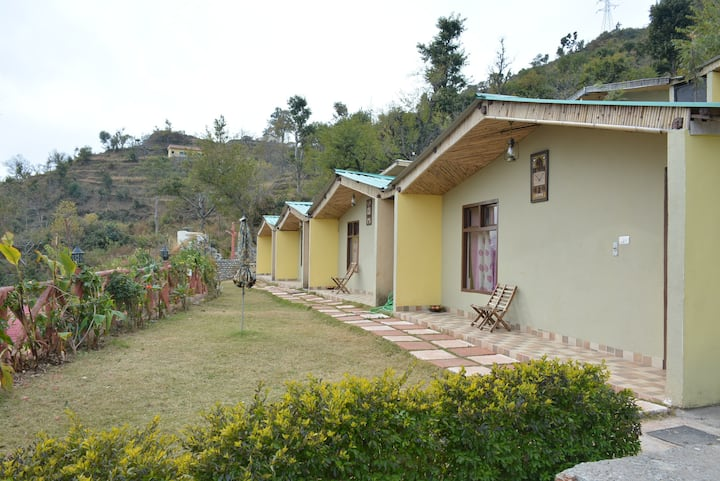 Cottage Mars, 3o kms. from Rishikesh, Yoga & Spa
